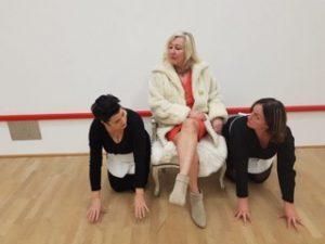 Theatergezelschap DAMES & HEREN speelt 'De Meiden van Jean Genet'