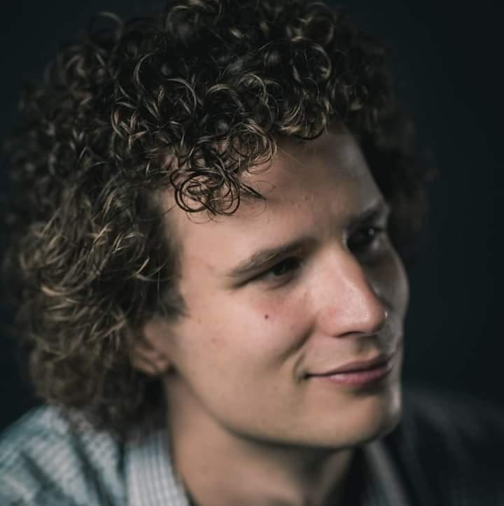 Tim Kroezen. Cabarette-ketet 2020. Pitboel Theter